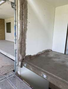 Här har man bilat fram armering som skall rostskyddas, betonglagas och sedan målas