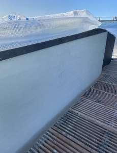 Putsning av fasaden är i full gång, denna puts ska täckas med glasfiberväv fär att därefter putsas och målas